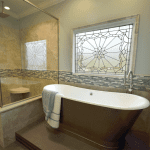 Enlarged shower with free-standing tub